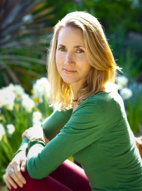 Living Yoga by Sarah Powers